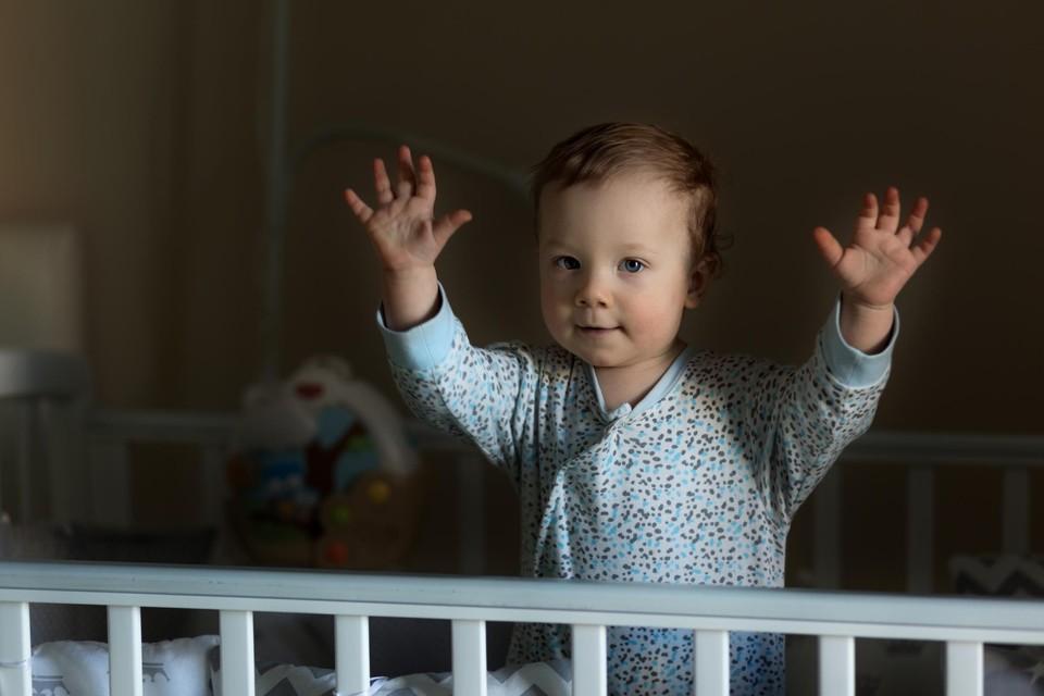 Eerst sliep je kind door, en dan plots niet meer: het komt wel vaker voor – en het is tijdelijk.