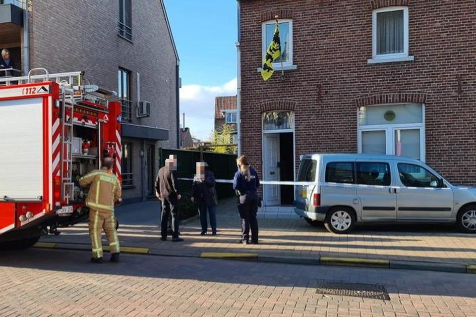 Doordat even werd gedacht aan CO-intoxicatie kwam de brandweer metingen verrichten in het huis.