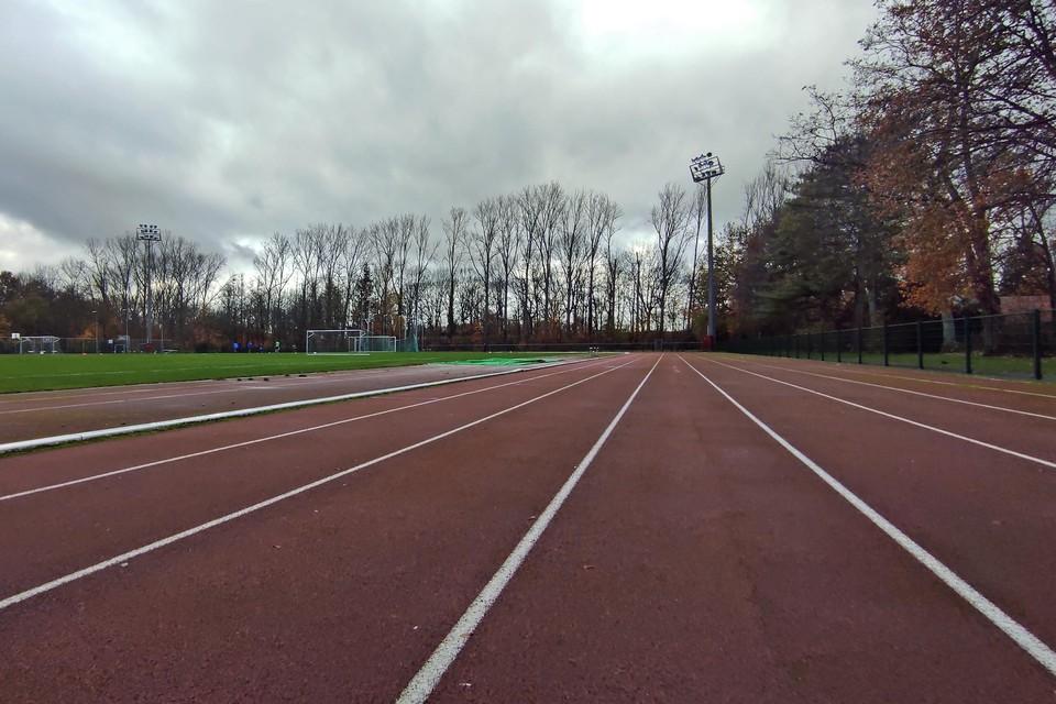 """""""Het trainen zal gebeuren volgens de voorschriften, in kleine bubbels volgens leeftijd, en enorm verspreid over de binnen- en buitenaccommodatie van het sportdomein Dommelhof"""", luidt het bij de Neerpeltse atletiekclub"""
