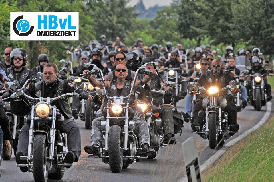 Een archiefbeeld uit 2009: meer dan 1.000 Outlaws uit Duitsland herdenken één van hun vermoorde leden.