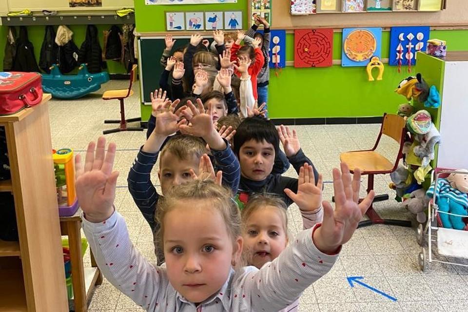 Ook de kinderen zijn blij dat ze weer naar school kunnen.