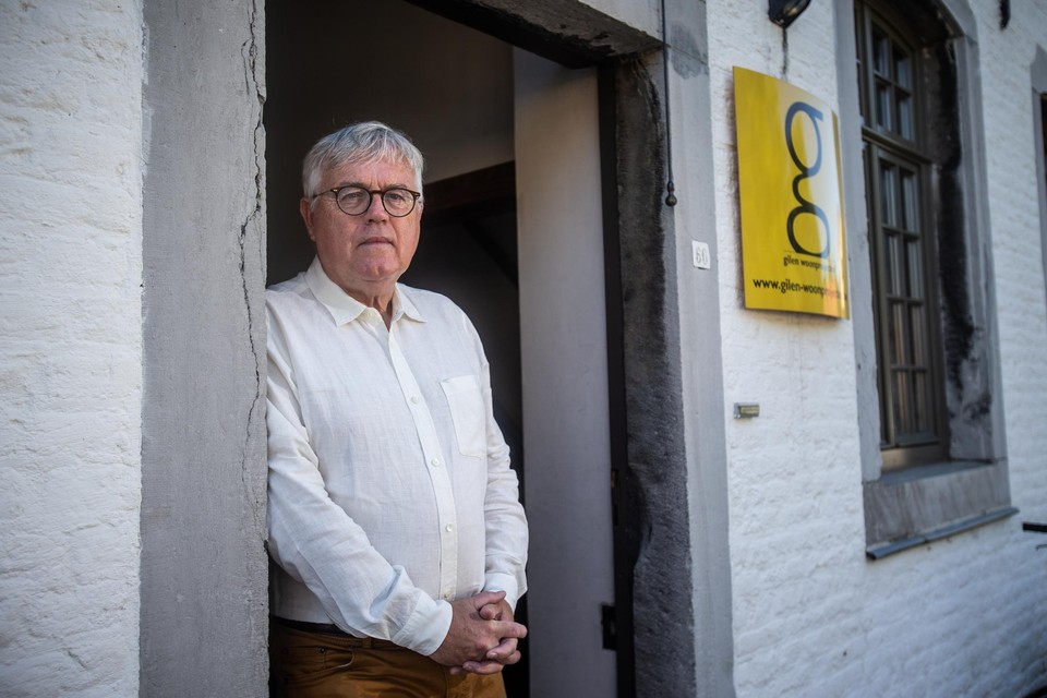 Een veertigtal arbeiders uit Slovenië en Kosovo zijn naar Sint-Truiden gekomen om voor een onderaannemer van Gilen Woonprojecten van zaakvoerder Rudi Gilen te werken.