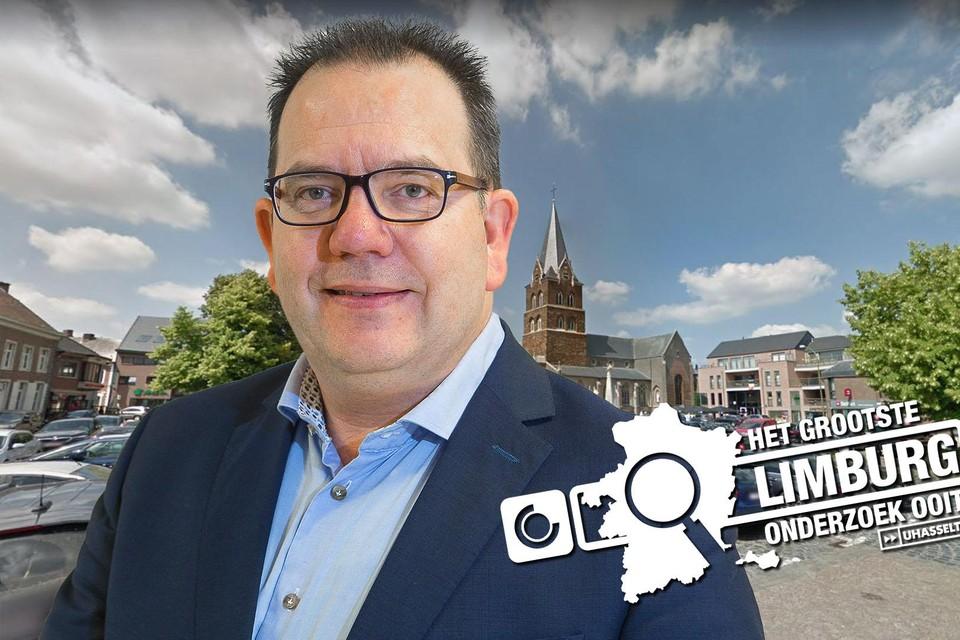 Burgemeester Erik Van Roelen.