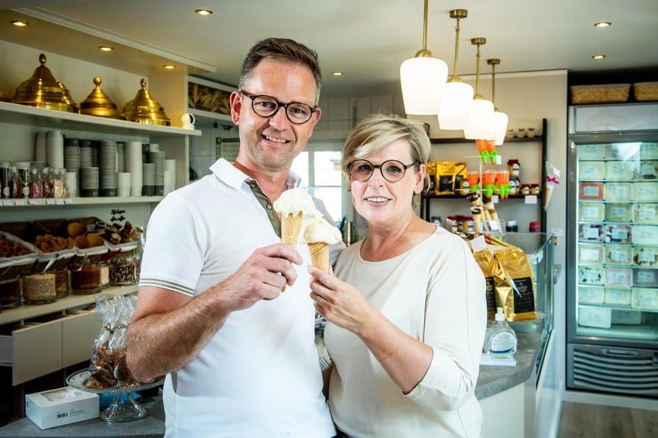 Ivan en Anja van Boonen Crèmerie-Chocolaterie in Pelt.