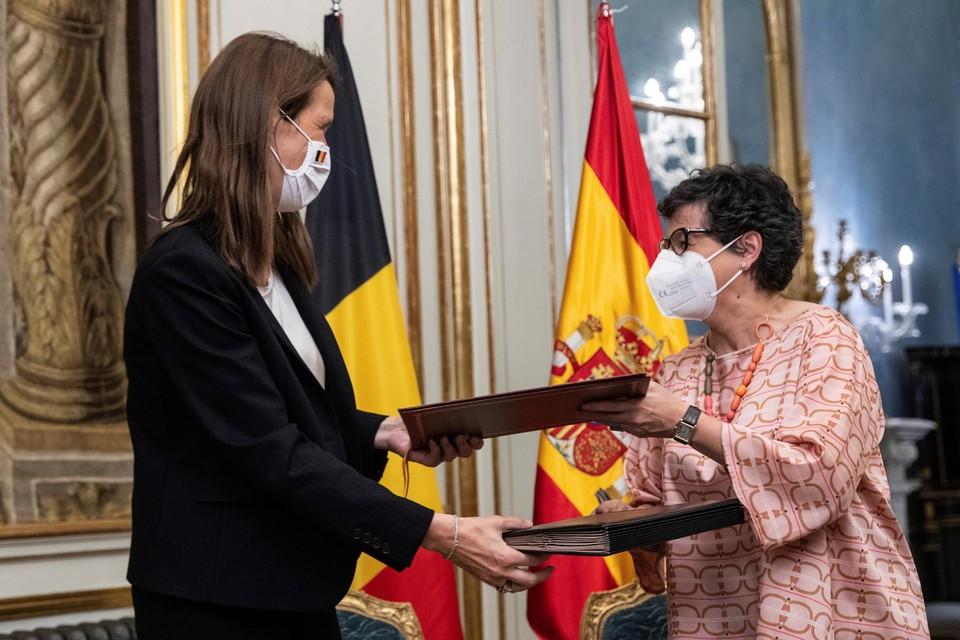 Minister van Buitenlandse Zaken Sophie Wilmès en haar Spaanse ambtgenote Arancha González Laya hebben woensdagavond in Madrid een 'memorandum van overeenstemming' ondertekend.
