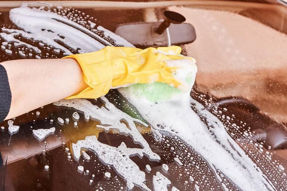 De organisatoren van Winterweekend Heers houden vandaag een carwash op het centrumplein.