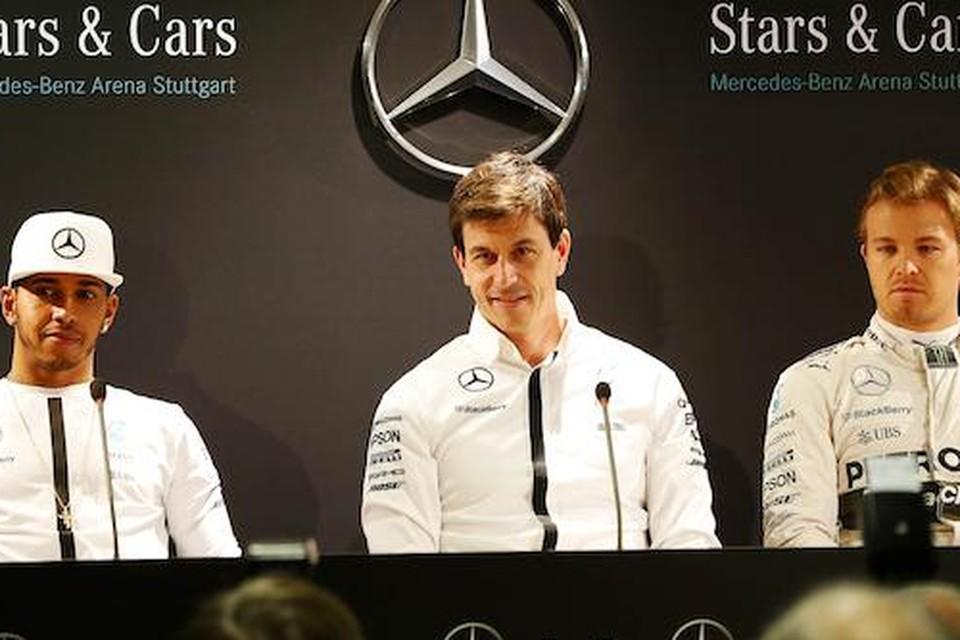 Mercedes-baas Toto Wolff destijds met Lewis Hamilton (links) en Nico Rosberg.