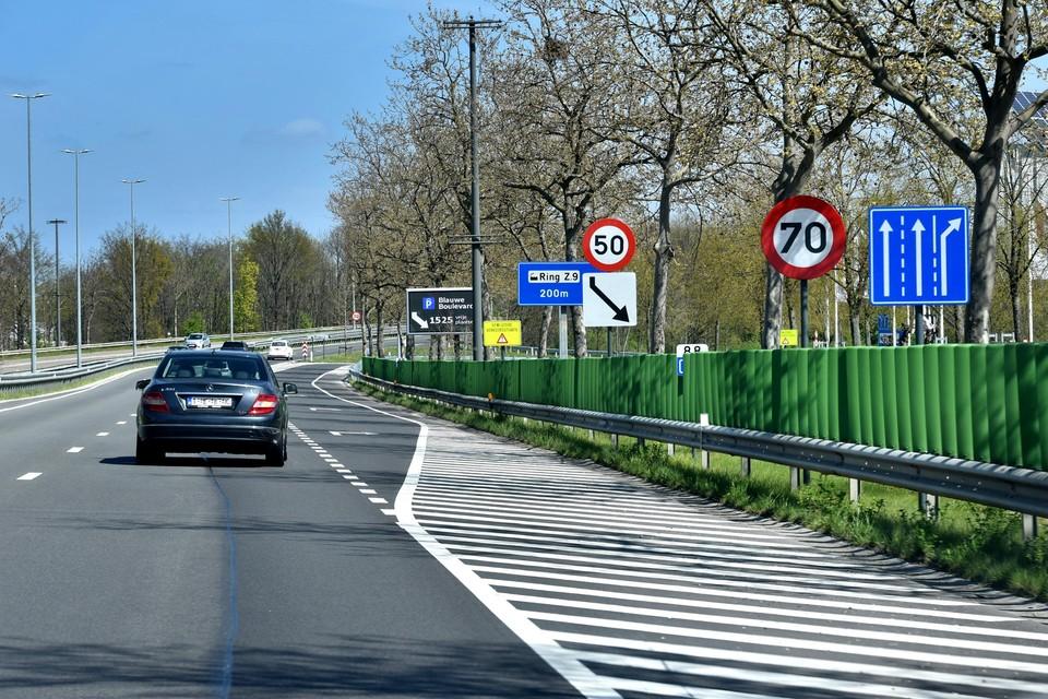 Heel wat bestuurders lijken niet te weten dat je op sommige plekken op de Hasseltse Grote Ring maar 70 km per uur mag rijden.