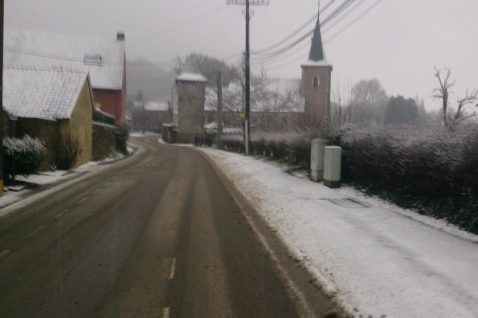 In Voeren waren de strooidiensten en sneeuwruimers al druk in de weer.