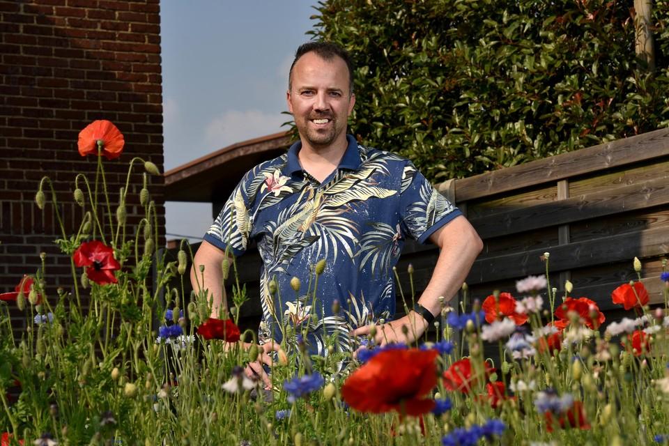 """""""Ik heb geen gras in mijn tuin, maar bloemen"""", zegt weerman Ruben Weytjens. """"Daardoor heb ik minder last van pollen."""""""