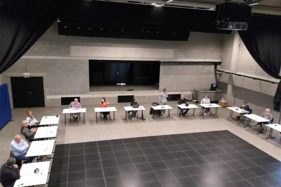 De eerste fysieke gemeenteraad van 2021 gaat door in zaal De Brug