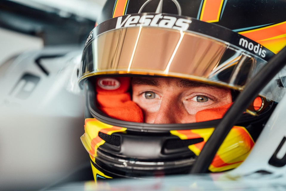 Stoffel Vandoorne veroverde in Valencia zijn tweede pole positie van het seizoen.