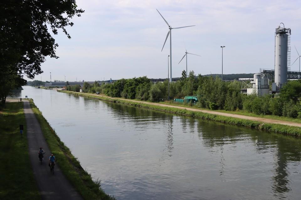 Langs de Zuid-Willemsvaart en het bedrijventerrein Rotem willen de bewoners geen gascentrale. Vrijdag krijgt de stad 1.700 bezwaarschriften in ontvangst.