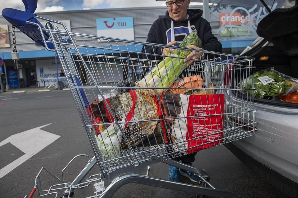 De voorbije dagen was een winkelkar opmerkelijk duurder geworden door het verbod op kortingen
