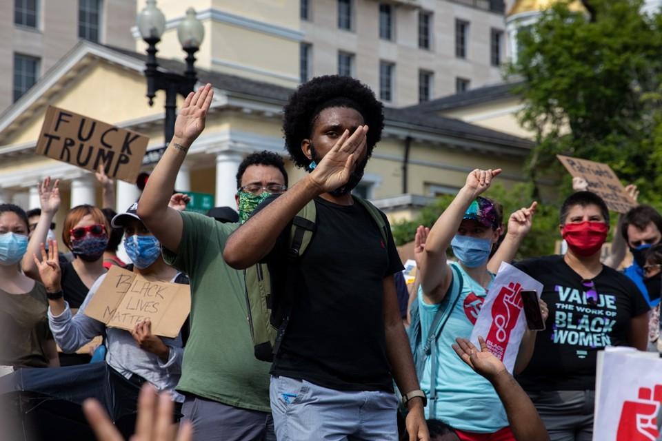 Vreedzame optochten in Chicago tegen bruut politiegeweld