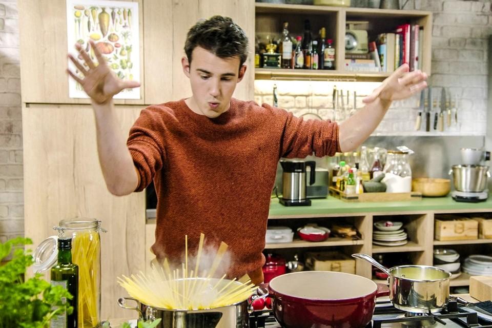 Foodvlogger Loïc Van Impe ging twee jaargangen de strijd aan met Jeroen Meus en zijn 'Dagelijkse Kost'.
