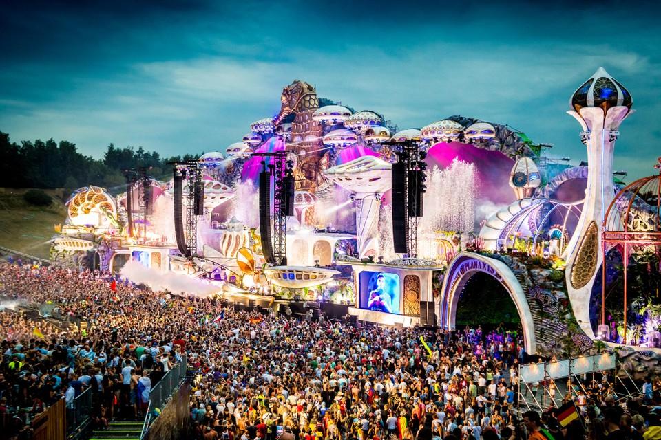 Geen gigantische bouwwerken met een massa dansende festivalgangers erbij op Tomorrowland dit jaar.