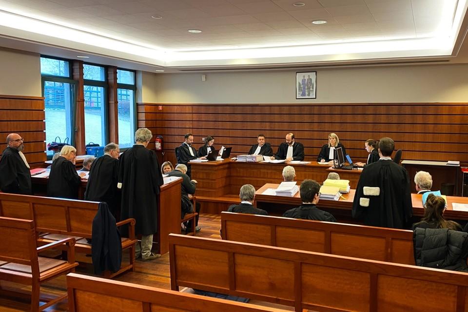 De rechters willen zolang de maatregelen gelden, zo weinig mogelijk volk in hun rechtbanken.