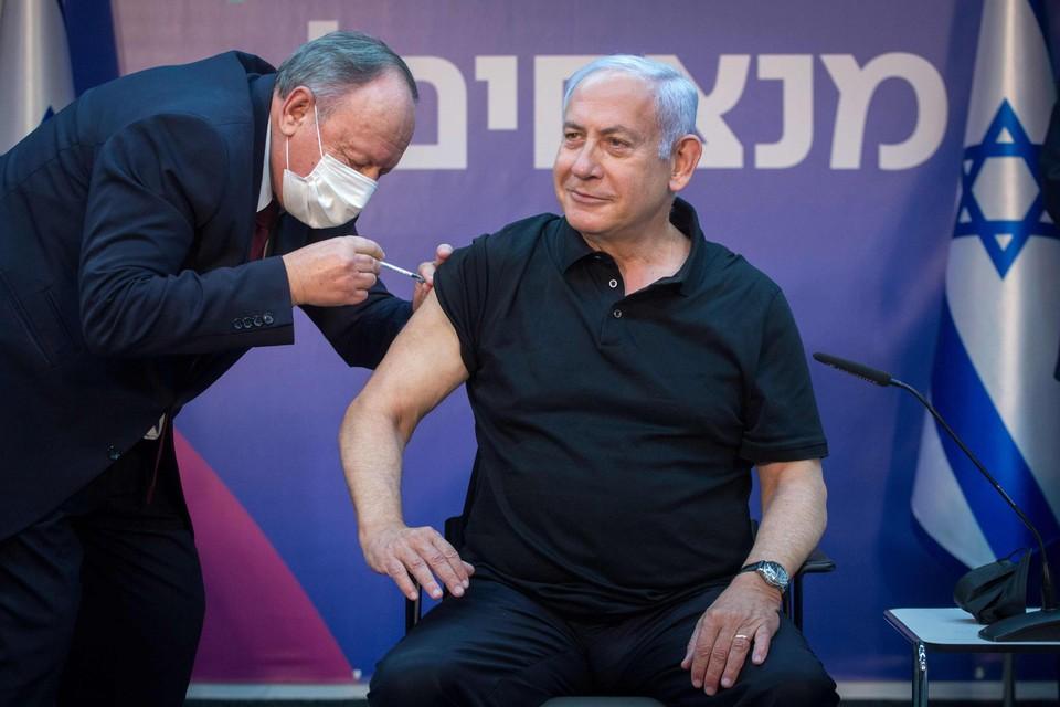 Netanyahu (71) liet zichzelf wel al vaccineren.