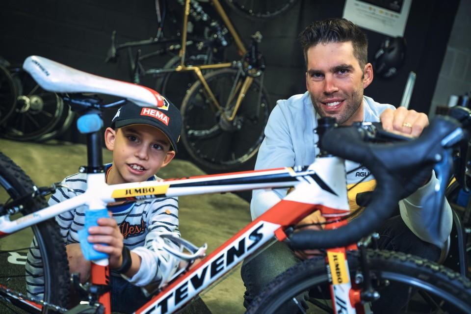 Maarten Wynants met zijn jongste zoon Loïc.