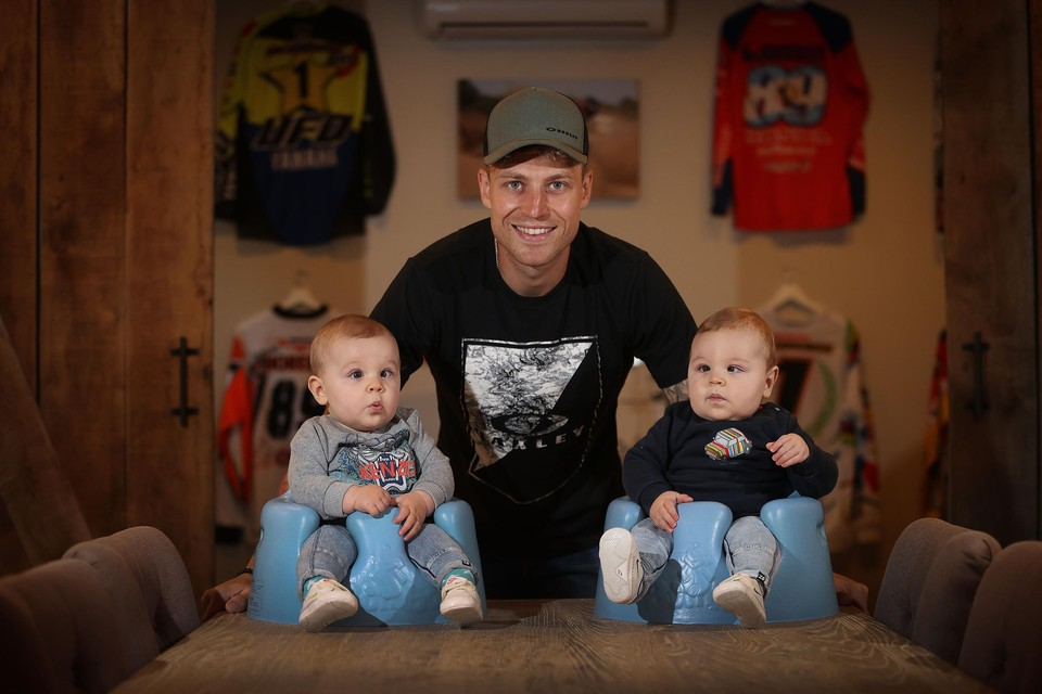 Van Horebeek met zoontjes Nyo en Jaxen.