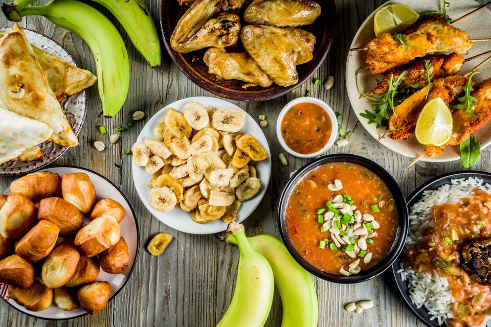 Ontdek de Afrikaanse keuken met klassiekers als pindasoep, jollof rijst en bakbananen.