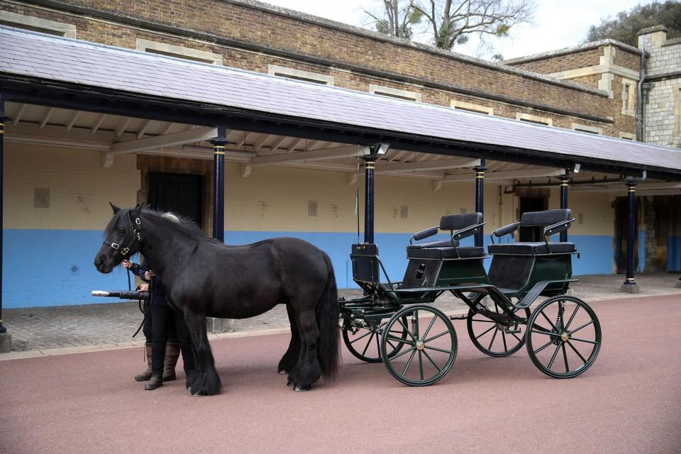 De koets van de prins en zijn twee grote Fell-pony's, een ras afkomstig uit het Lak District.