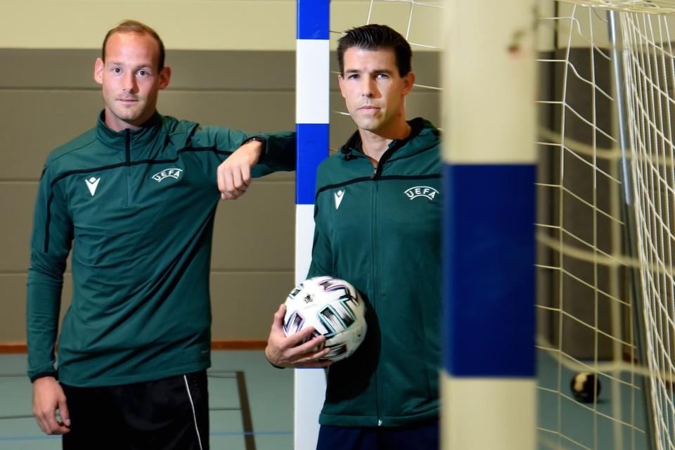 Juan Boelen en Stefan Vrijens zullen ook in 2021 futsalwedstrijden leiden op internationaal niveau.
