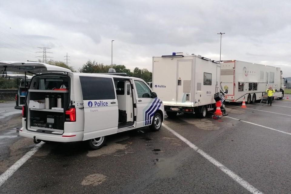 Politie Voeren werkte met meerdere inspectiediensten samen bij de controles woensdag op de parking van de E25 in Moelingen.