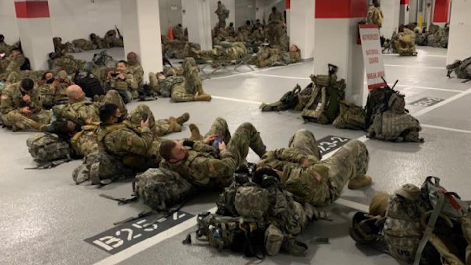 De slaapplaats van enkele soldaten, de nacht na de inauguratie