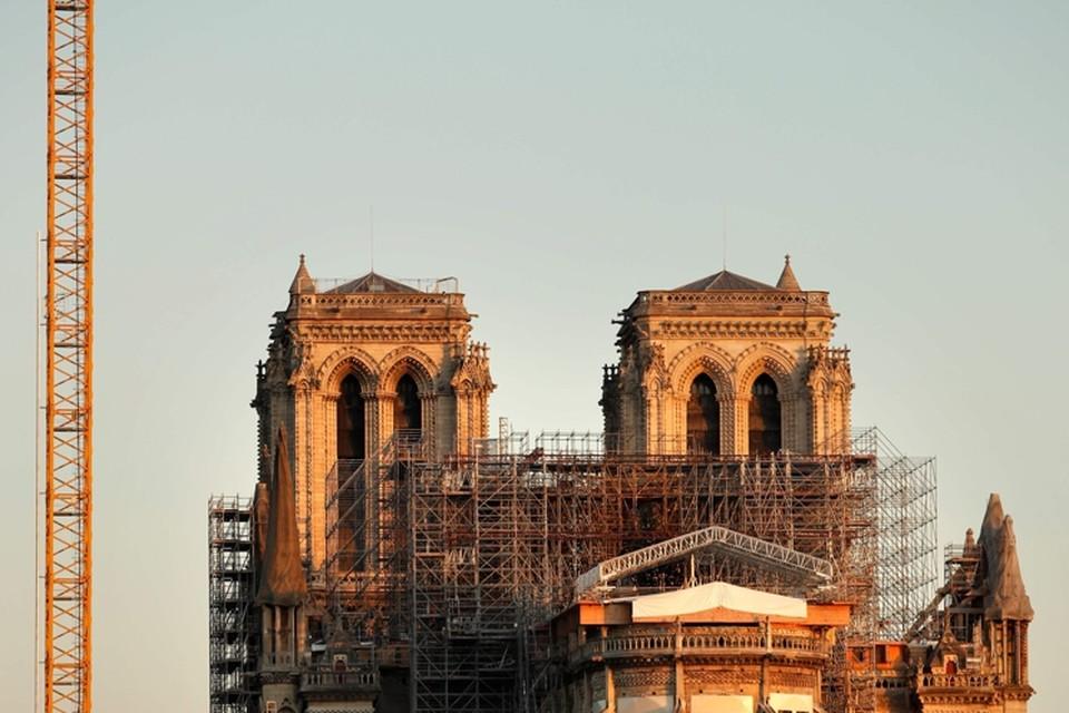 Sinds Frankrijk in lockdown is, liggen de werken aan de Notre-Dame stil.