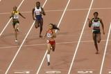 thumbnail: Allyson Felix won de 400m bij de vrouwen