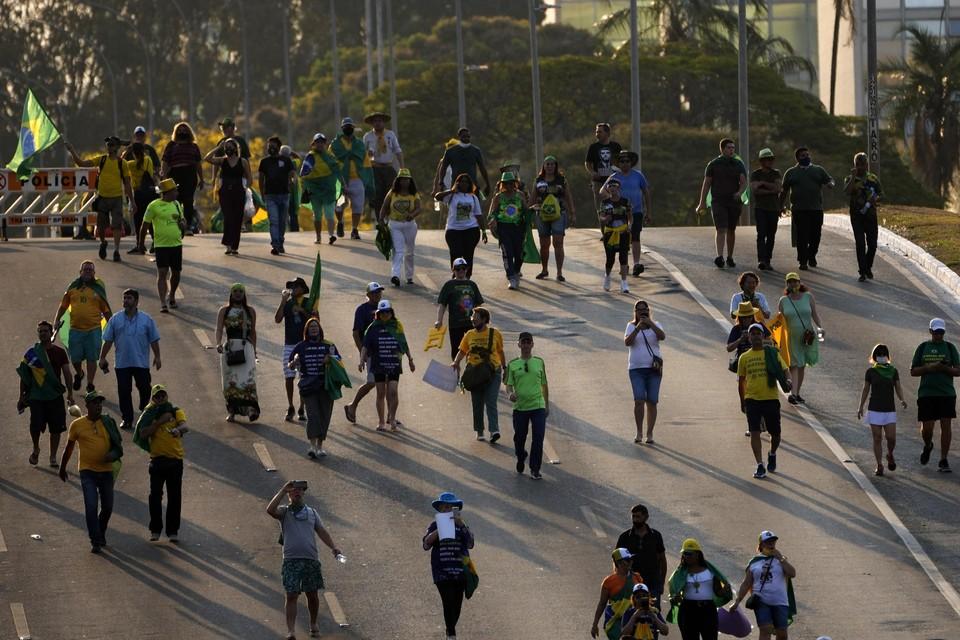 Op verschillende plaatsen in Brazilië kwamen al duizenden mensen op de been om de steun voor president Jair Bolsonaro uit te spreken.